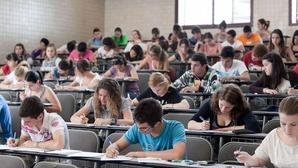 Iberoamérica cosecha grandes avances en educación secundaria pero se estanca en la educación terciaria.