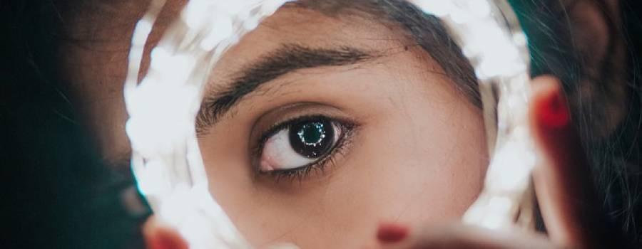 Un espejo donde mirarse. Los referentes femeninos de la cultura juvenil
