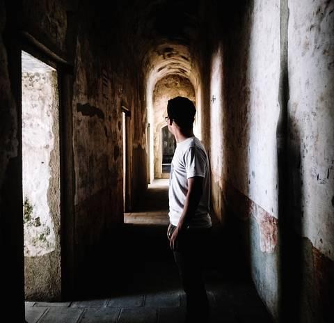 Centroamérica desgarrada: Demandas y expectativas de jóvenes residentes en comunidades empobrecidas