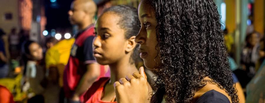 O jovem brasileiro e a escola diante da precarização da vida e de desafios democráticos